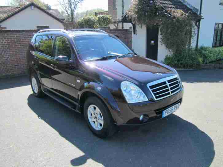 Ssangyong Rexton II 2.7 Turbo Diesel Auto 4x4 Mercedes Engine 7 Seats