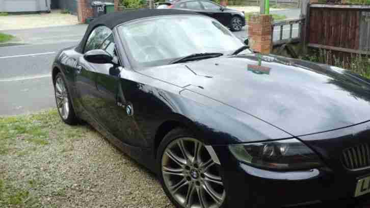 Stunning BMW Z4 convertible 2008 ink blue body black leather interior