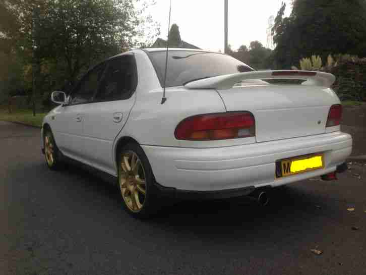 Subaru Impreza wrx 1995 in White - Spares or Repair