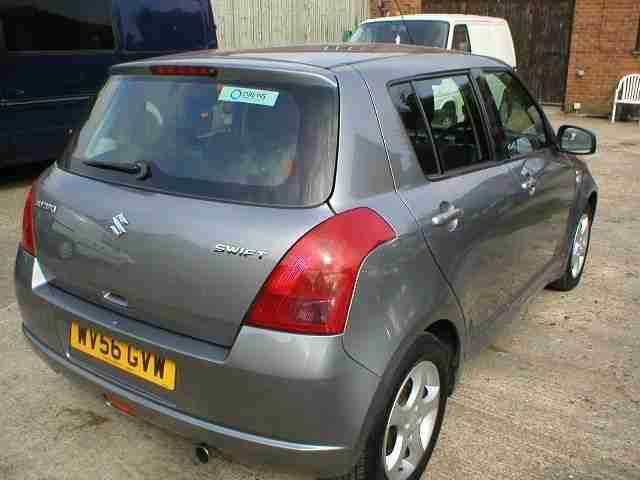 Suzuki Swift 1.5 GLX 5 door