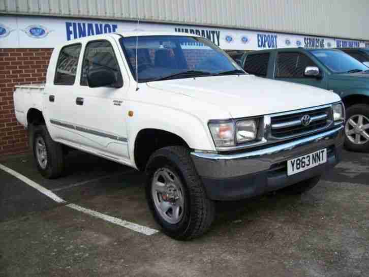 Toyota HILUX 2.4. Toyota car from United Kingdom