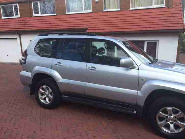 TOYOTA LANDCRUISER LC3 D-4D AUTO SILVER 8 SEATER LOW MILEAGE LOVELY EXAMPLE