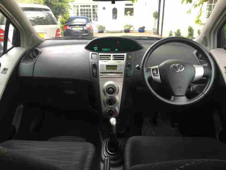 TOYOTA YARIS 1.3 VVT - I IMMACULATE CONDITION 35k