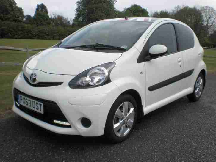 AYGO 1.0 VVT I MOVE WITH STYLE