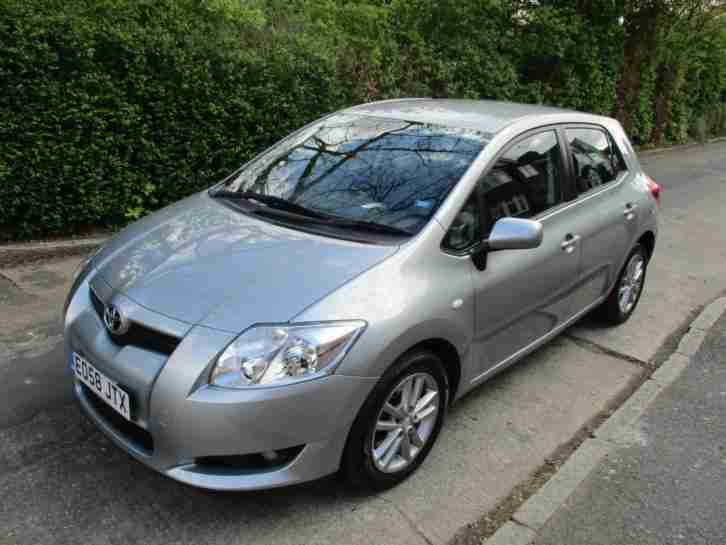 Toyota Auris 2.0D. Toyota car from United Kingdom