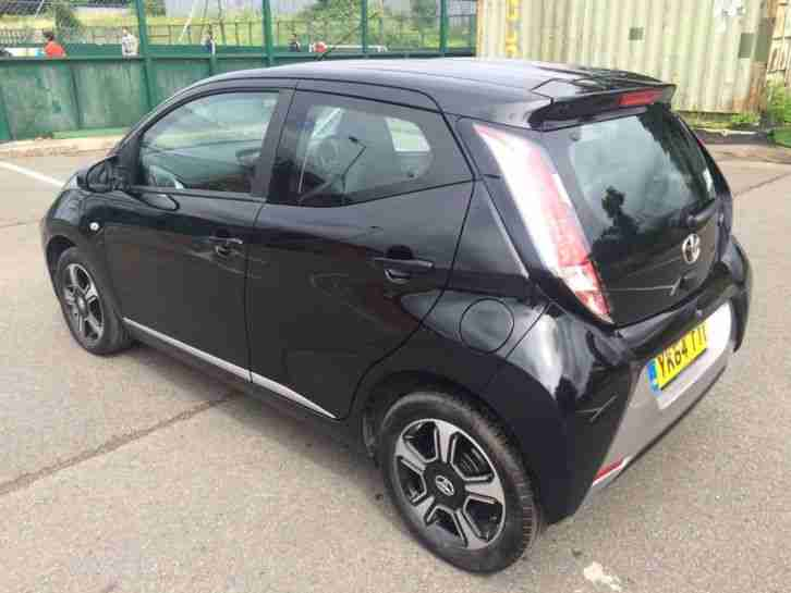 Toyota Aygo 1.0 VVT-i x-clusiv x-shift 5dr Automatic (Full Leather Interior)