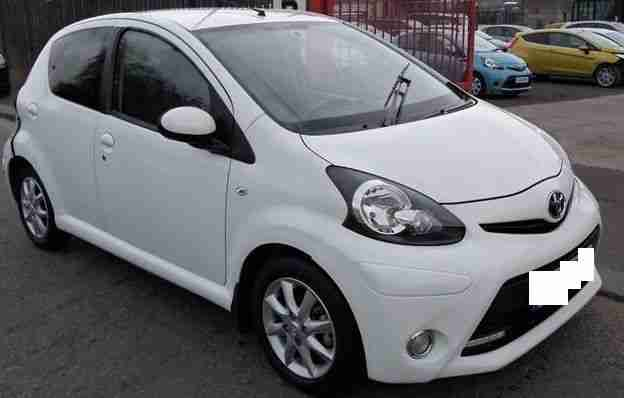 Toyota Aygo White 2013 Zero Tax Only 1260 Miles Great Economical