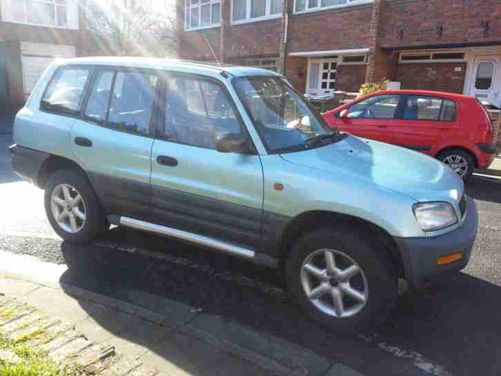 Toyota RAV4 2.0. Toyota car from United Kingdom