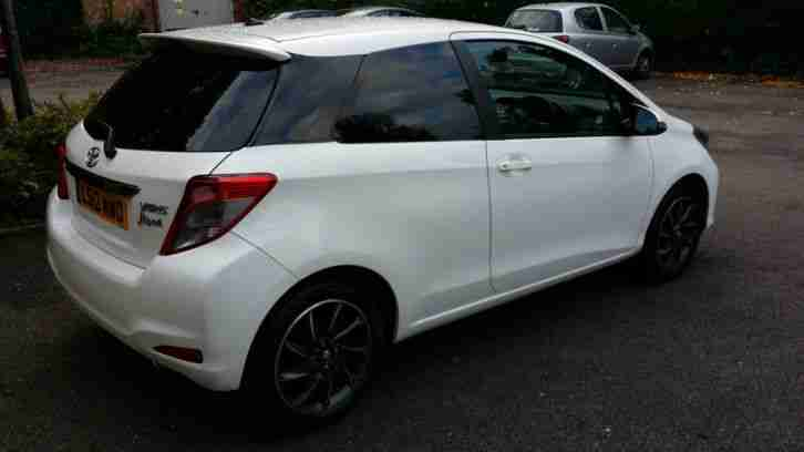 Toyota YARIS 3-DR 1.33 VVT-i SR 3dr 2012 Low Millage