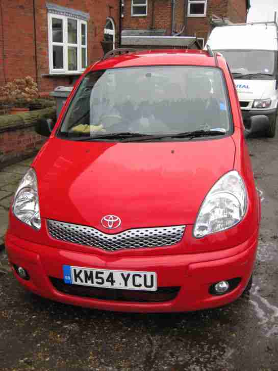 toyota yaris verso diesel 2004 only 25 000 miles car for sale. Black Bedroom Furniture Sets. Home Design Ideas