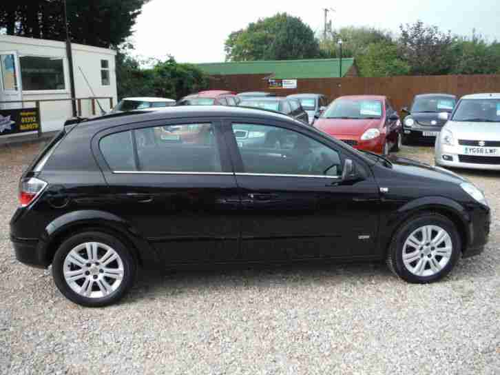 VAUXHALL ASTRA 1.6 16V 5DR DESIGN 2009 59 WITH ONLY 28,300 MILES FROM NEW