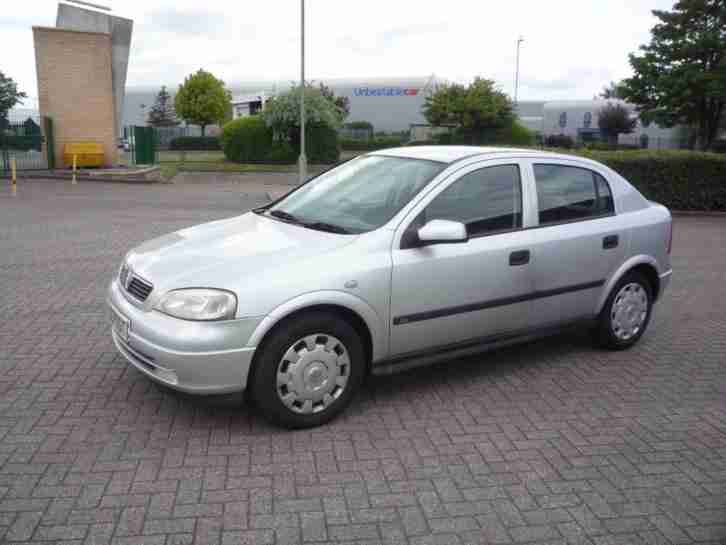 vauxhall astra 1 6 club auto only 53 000 miles from new new mot. Black Bedroom Furniture Sets. Home Design Ideas