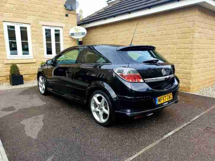 VAUXHALL ASTRA 1.8. Opel car from United Kingdom
