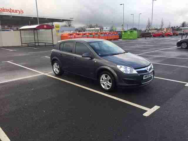 Vauxhall ASTRA 2009. Vauxhall car from United Kingdom