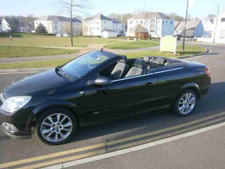 Vauxhall ASTRA CONVERTIBLE. Vauxhall car from United Kingdom