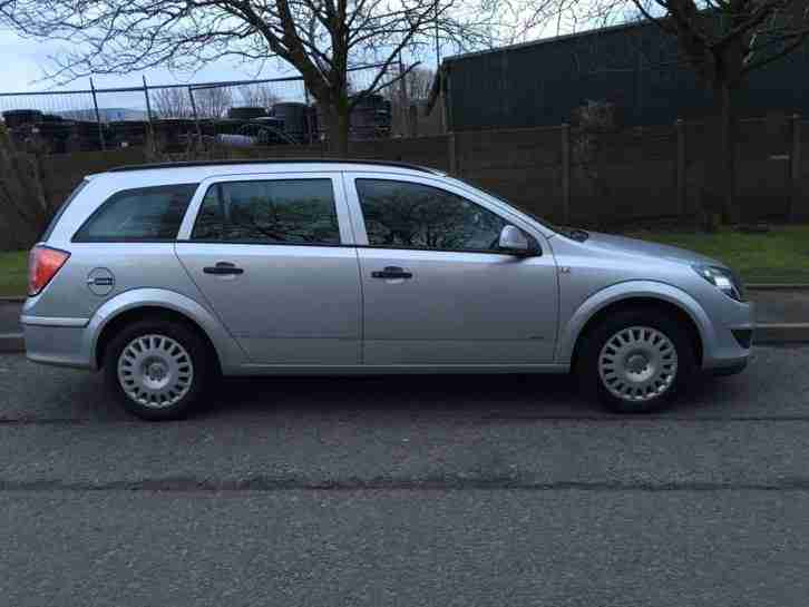 VAUXHALL ASTRA ESTATE 1.7 DIESEL, SILVER, 2010, MILES 107K EX MILITARY