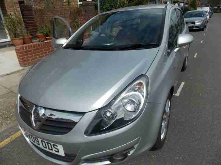 Vauxhall CORSA 1.4i. Vauxhall car from United Kingdom