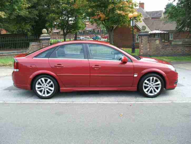 VAUXHALL VECTRA 1.9CDTi 120 6 SPEED SRI SAT NAV ONLY ONE OWNER FROM NEW