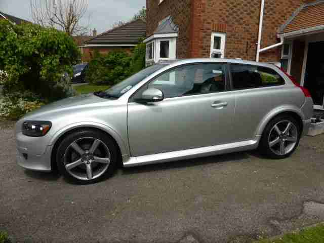 volvo c30 sport coupe 2 4 d5 r design se 09 low mileage great bodywork. Black Bedroom Furniture Sets. Home Design Ideas