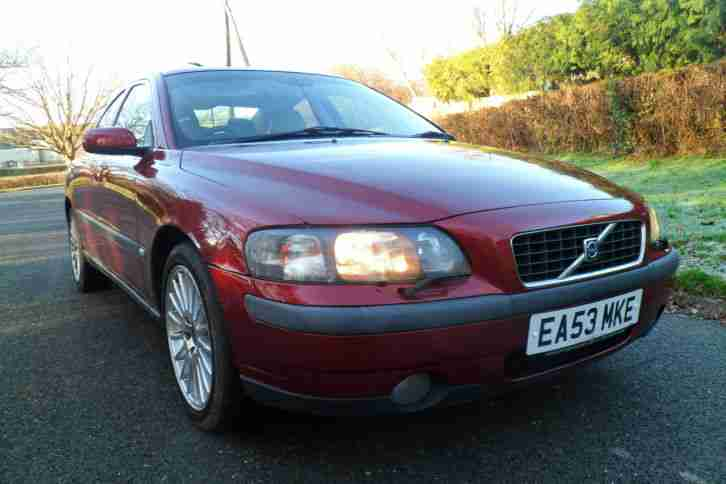 VOLVO S60 SE TURBO 210 BHP SALOON AUTO CRUISE LEATHER GOOD CAR AND RARE 2003