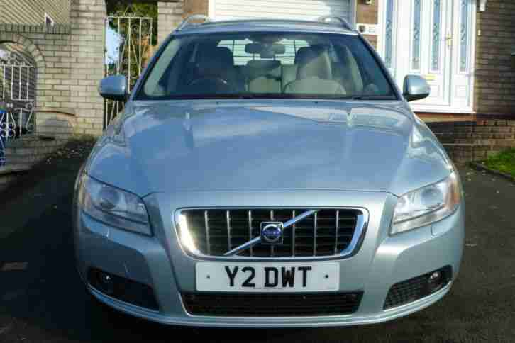 Volvo V70 SE. Volvo car from United Kingdom
