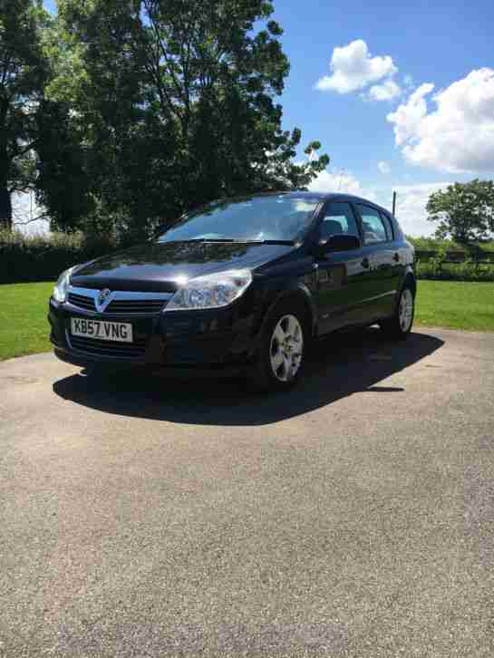 Vauxhall Astra 1.6 full years Mot