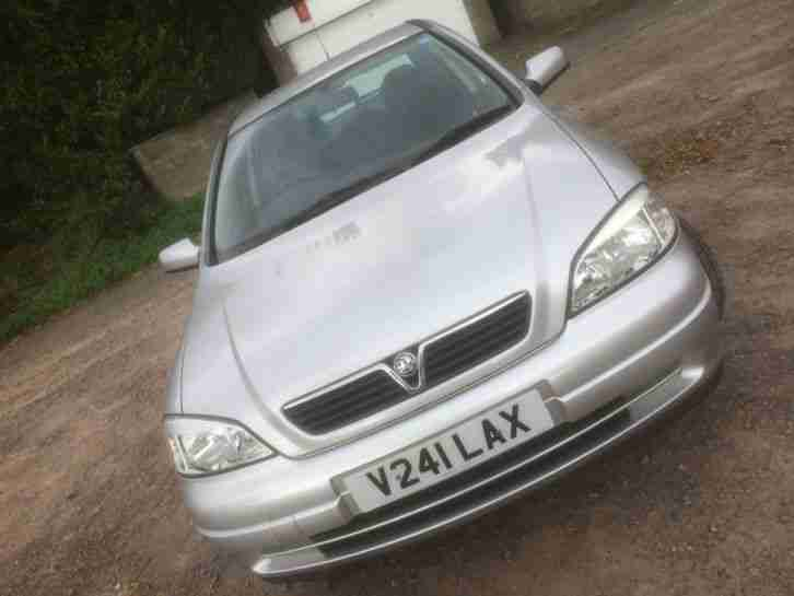 Vauxhall Astra 1.6i 16v 1999 Club Low mileage full service history long mot
