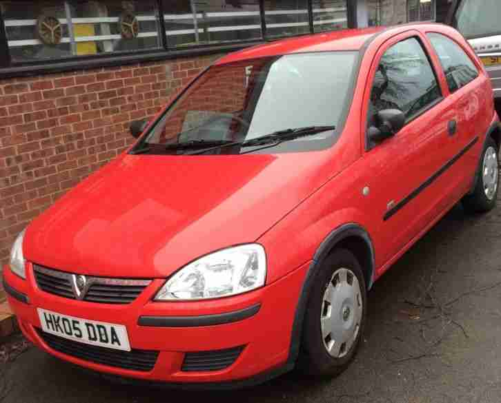 vauxhall corsa life 2005 petrol red 5 door engine size 1000 non runner. Black Bedroom Furniture Sets. Home Design Ideas