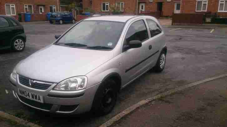 vauxhall corsa life twinport 1 0 silver low milage 2 owners from new. Black Bedroom Furniture Sets. Home Design Ideas