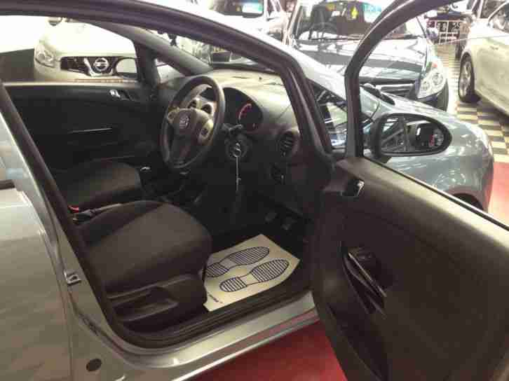 Opel vauxhall corsa 16v a c 5 door energy 1 owner for Opel corsa 2010 interior