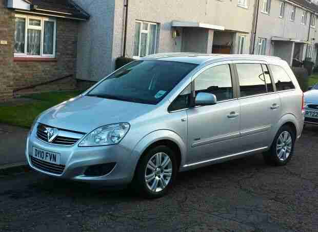 vauxhall zafira 1 8 design 2010 excellent condition 45000 miles 38. Black Bedroom Furniture Sets. Home Design Ideas