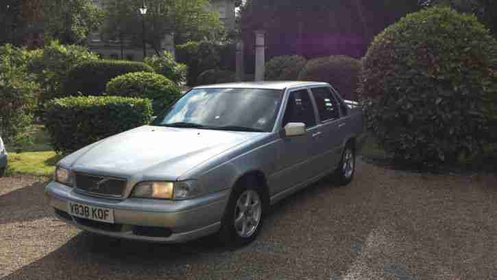 Volvo S70 Saloon. Volvo car from United Kingdom