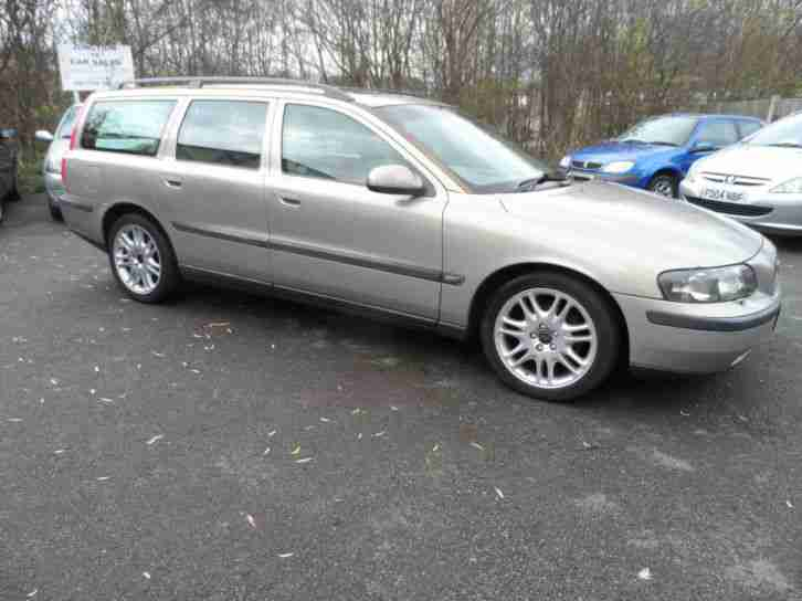 V70 2.4 AUTOMATIC ESTATE Y REG 7 SEATER