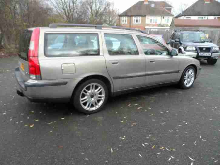 Volvo v70 2 4 automatic estate y reg 7 seater leather car for sale for Volvo v70 leather interior for sale