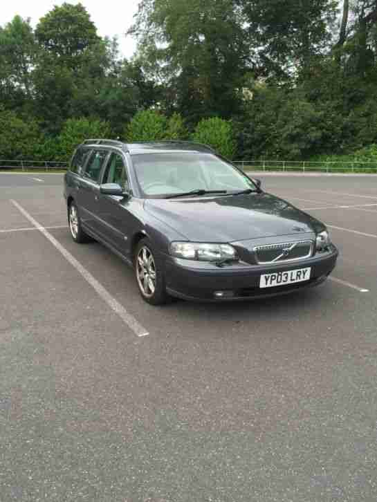 volvo v70 d5 diesel estate manual car for sale. Black Bedroom Furniture Sets. Home Design Ideas