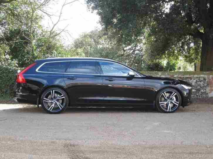 Volvo V90 D5 AWD R-Design Geartronic with Panoramic Sunroof