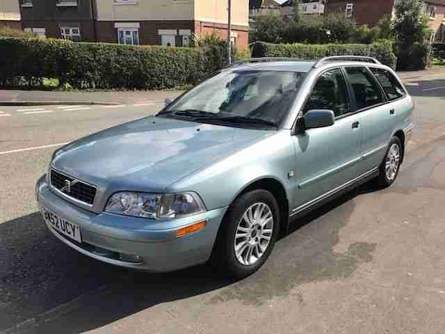 Volvo v40 SE Estate 1.6 16v Manual Low mileage FSH Leather Cruise Control