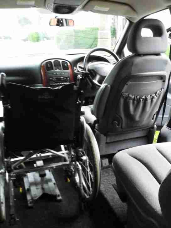 WHEELCHAIR ACCESS LOW MILEAGE DIESEL 2004 CHRYSLER GRAND VOYAGER LX AUTO BLACK