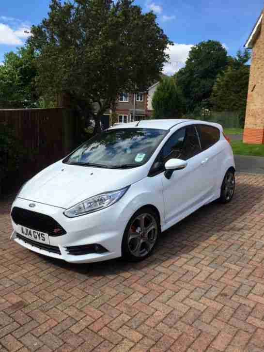 Ford White Fiesta St3 1 6 Eco Boost 2014 Full Service History Low