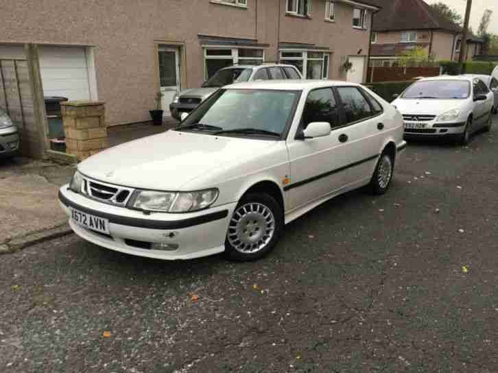 X 2000 SAAB 93 2.0T S 5 DOOR IN WHITE.1 FEMALE OWNER FROM NEW.MOT JUNE 2015 .