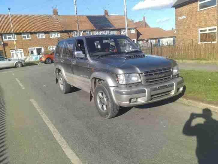 Isuzu Trooper 3.0. Isuzu car from United Kingdom