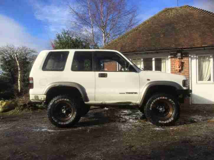 isuzu trooper 3 1 off roader off road 4x4 car for sale. Black Bedroom Furniture Sets. Home Design Ideas