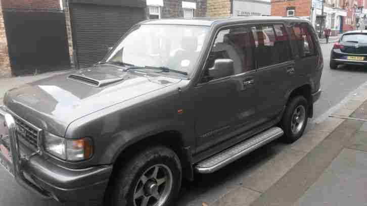 isuzu trooper 3.1d 7 seater