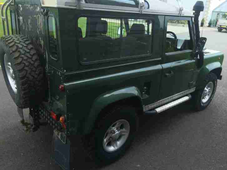 land rover defender 300 tdi station wagon car for sale. Black Bedroom Furniture Sets. Home Design Ideas