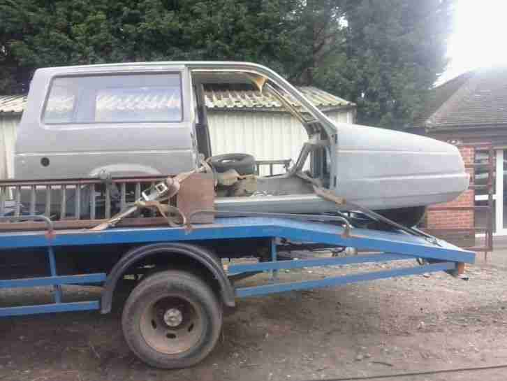 reliant three wheeler shell restoreation. spares or repairs