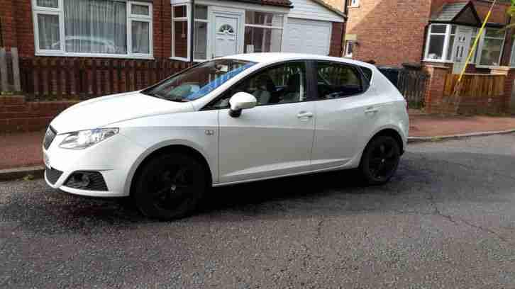 Seat Ibiza 1 4 Se Candy White Black Alloy Wheels Car For