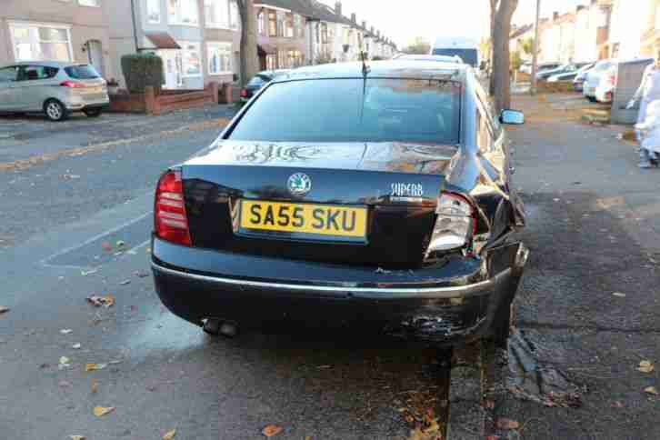 Skoda superb elegance 2.5 tdi 2005 DAMAGED, for PARTS.
