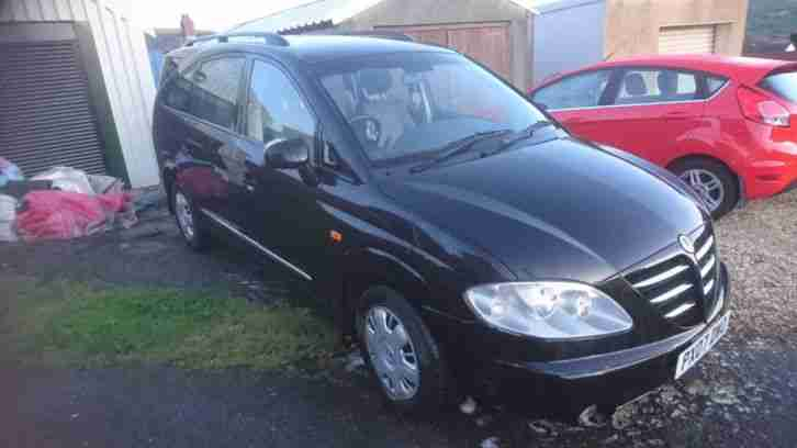 Ssangyong rodius 270 S. 7 seater mpv. 11 months mot
