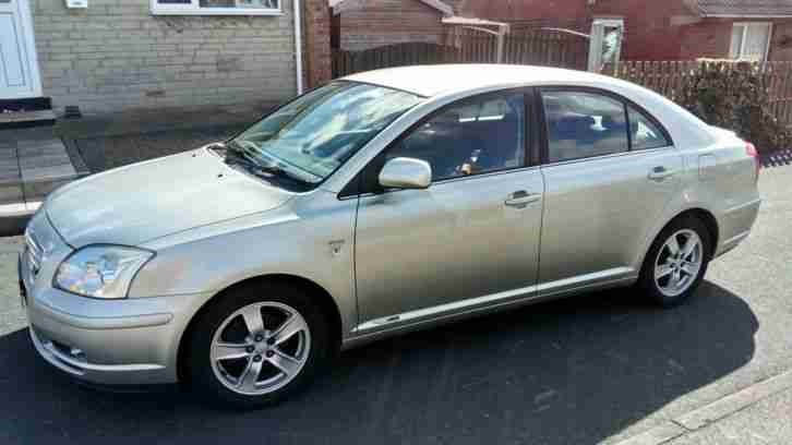 Toyota avensis t3 x 1.8 hatchback