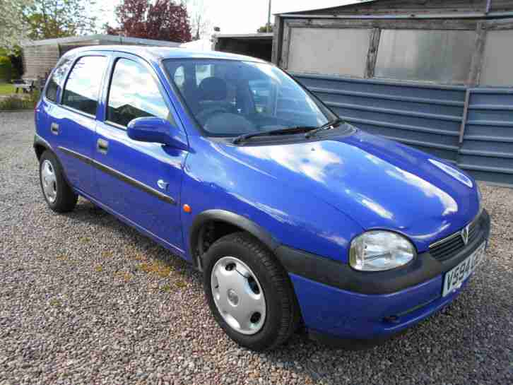 vauxhall corsa club 1 2 1999 good runner 99p no reserve spares or. Black Bedroom Furniture Sets. Home Design Ideas